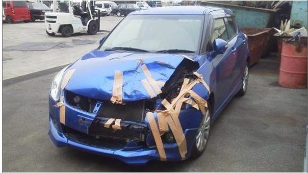 事故車買取したスイフトの前側の画像